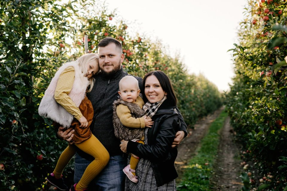 Rodzinka w Jablkach 014