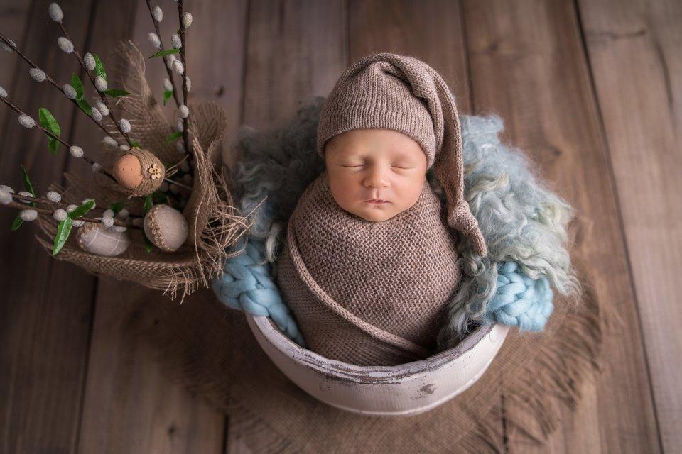 Wielkanocna sesja noworodkowa – Karol 10 dni | Żyrardów