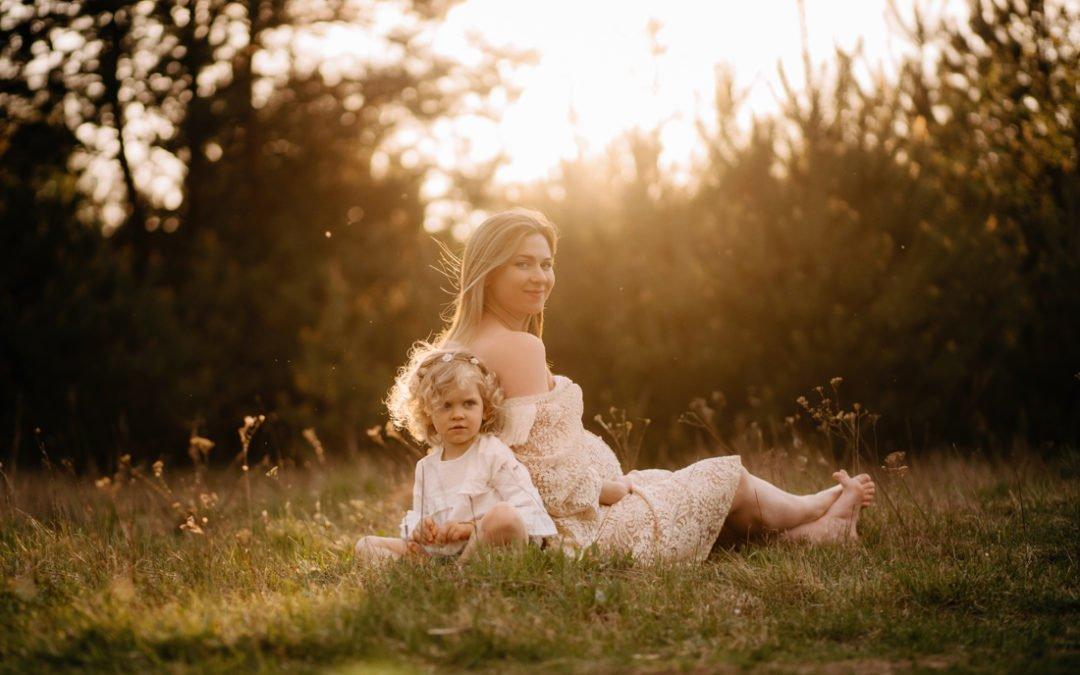 Sesja ciążowo-rodzinna w plenerze Owczarnia – Podkowa Leśna – Milanówek | Ania