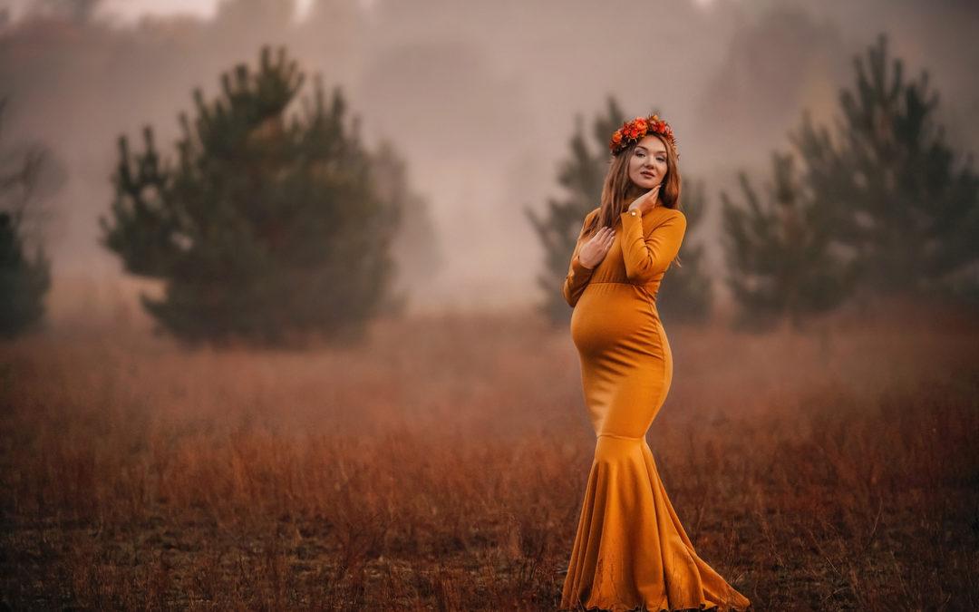 Sesja jak namalowana… Karina i jej jesienny plener ciążowy | Warszawa – Żyrardów