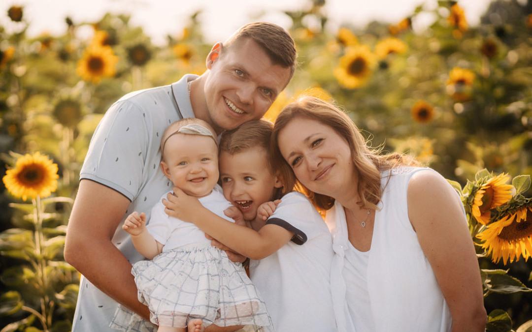 Sesja rodzinna w słonecznikach | 5 powodów, dlaczego warto się na nią zdecydować